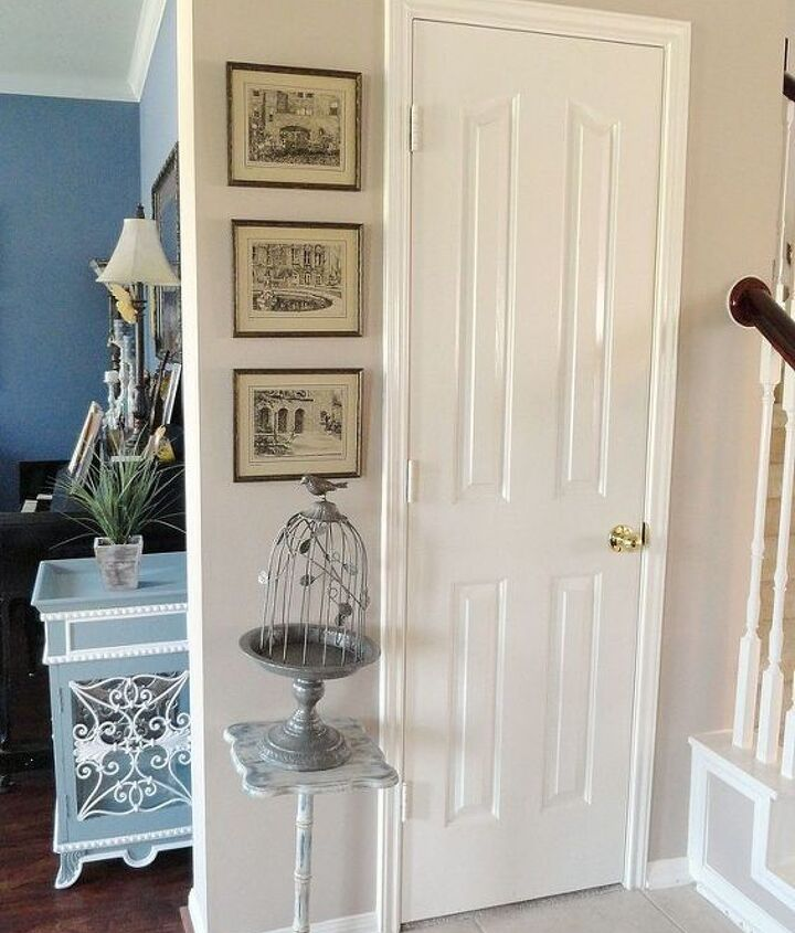 Pedestal table and cloche.  http://thededicatedhouse.blogspot.com/2013/06/the-entrywayfinished.html