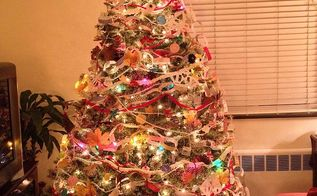 making all homemade christmas decorations, christmas decorations, seasonal holiday decor, My eight year old crocheted chains for the tree