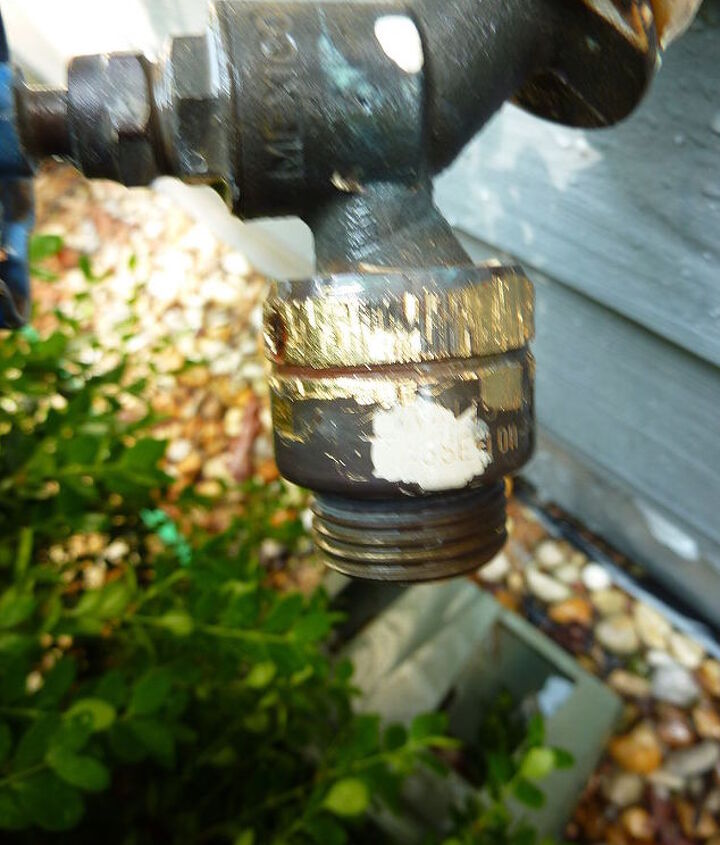 we could not get the piece attached to the faucet to unscrew, afraid to damage the pipe coming out of the house