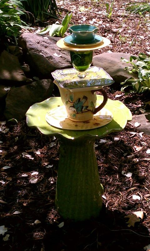 I saw some birds taking a bath in this newly made garden totem this am.That made my heart sing!