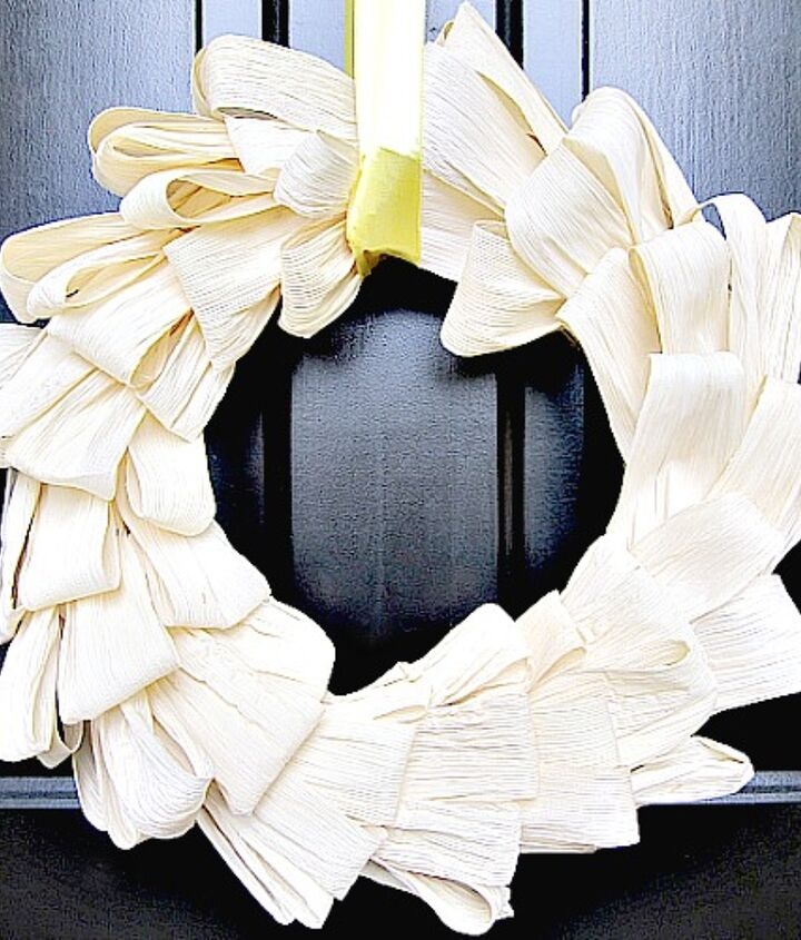 don t be intimidated a corn husk wreath is easier to make than you think, crafts, repurposing upcycling, wreaths