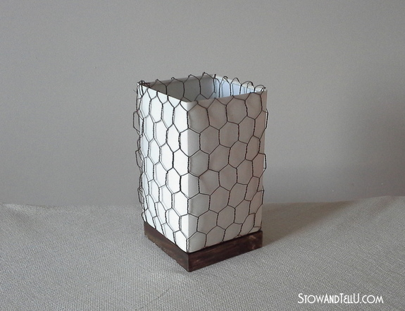 farmhouse look on lamp shade with chicken wire, crafts, home decor