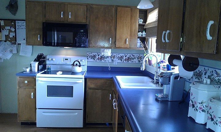 remodeling kitchen up to date to modern, diy, kitchen backsplash, kitchen design, When we moved in 11 years ago there was not much of kitchen so remodel with as cheaply Used some of the old cabinets As the years goes on the kitchen became not assesible for me