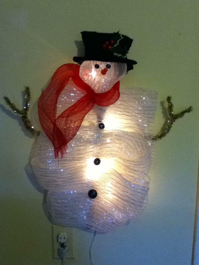 mesh ribbon snowman, christmas decorations, crafts, seasonal holiday decor