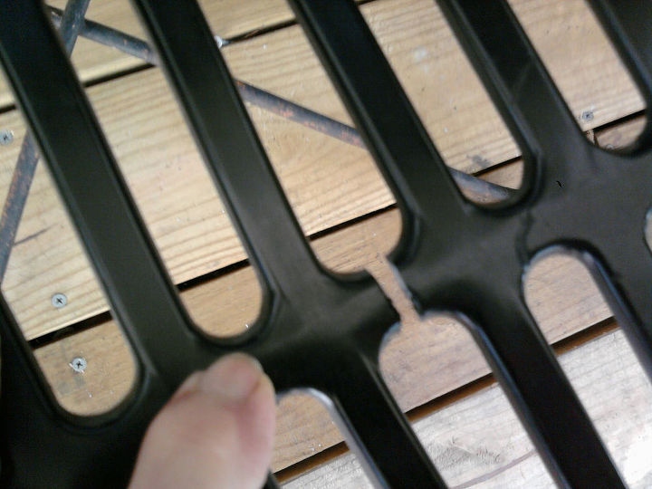 q need help on how to repair a plastic chair, home maintenance repairs, how to, painted furniture