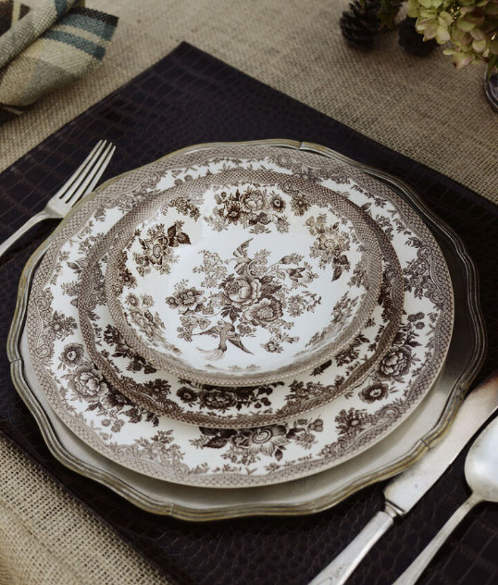 Ralph Lauren inspired outdoor dinner for two, faux-crocodile placemat with brown transferware dishes