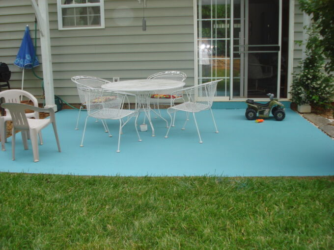 diy painting concrete patio aqua, concrete masonry, diy, painting, patio, Finished I actually spray painted some brown glitter on top looks like sand in some places kids loved it