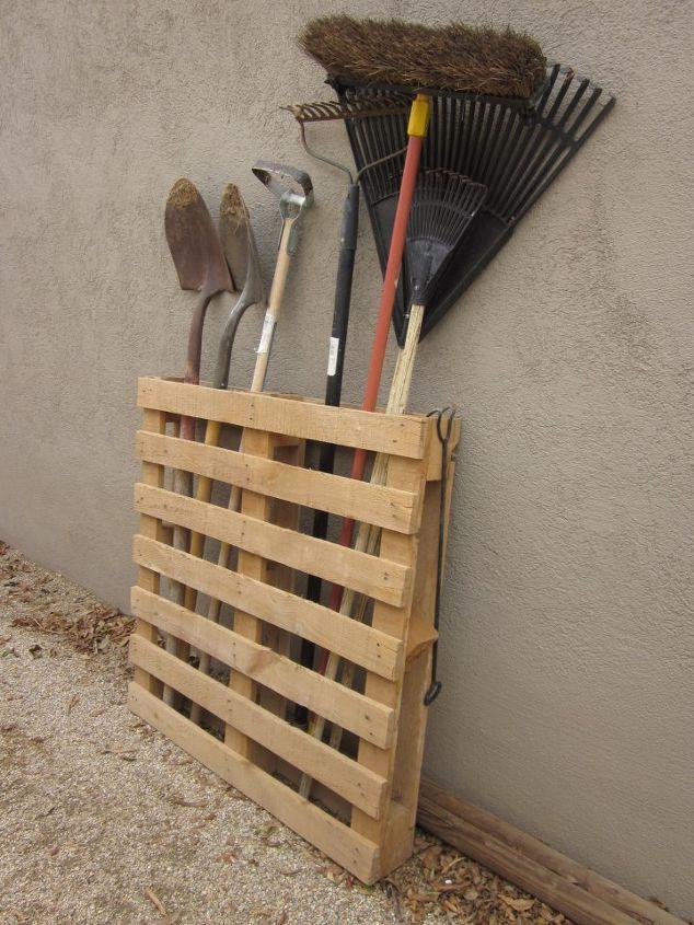 using ordinary pallets in a fantastic garden, gardening, pallet, repurposing upcycling
