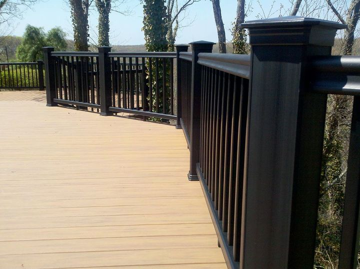 Tip: Consider accent colors for things like the rail, or the facia board, or something we call picture framing, which is a different color single or double border around the edge of the deck. We chose black rail to see through.