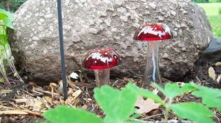mushrooms and flowers for the garden and yard, crafts, Clear vases and red tealight holders with white nail polish spots