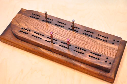 make your own cribbage board, diy, woodworking projects, The body is pine I had lying around the shop and the racing stripe is oak