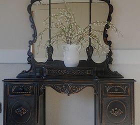 Charmant Vintage Vanity In Black, Painted Furniture, After