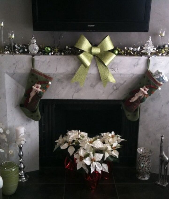 simple clean contemporary mantle, seasonal holiday decor