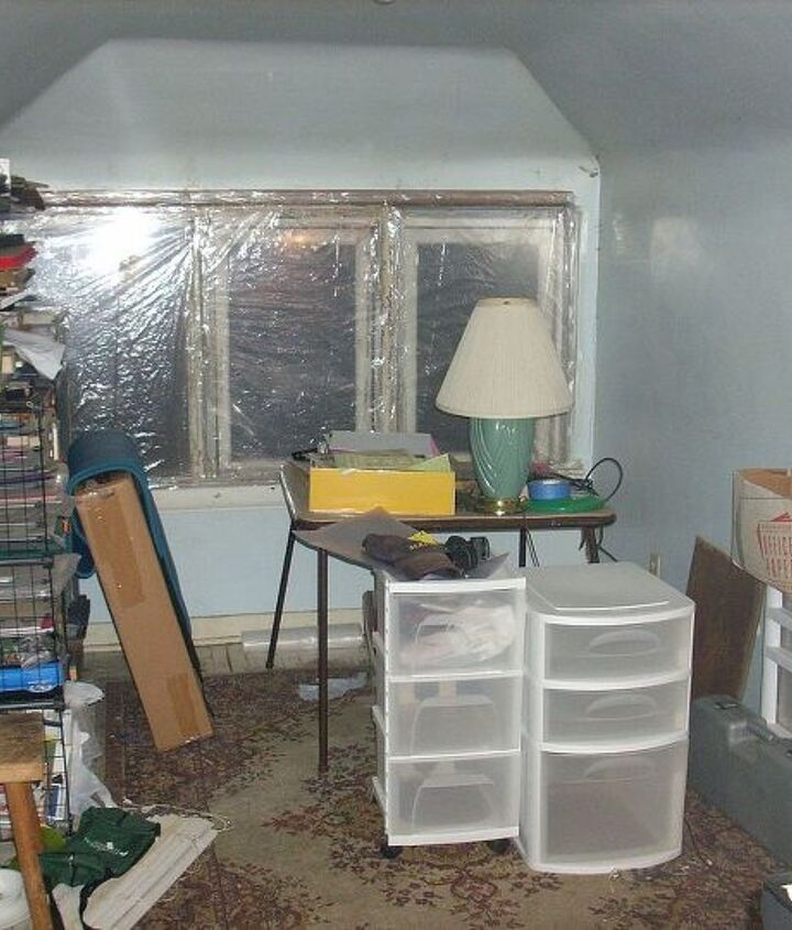 More quite the mess. On the left side is more scrap storage that was pretty worn out.