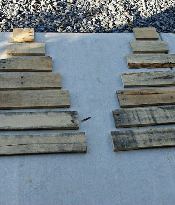 diy pallet christmas tree tutorial, christmas decorations, pallet, repurposing upcycling, seasonal holiday decor, Cut your boards to desired length Mine where cut at 19 5 17 14 5 12 9 5 7 and 4 5