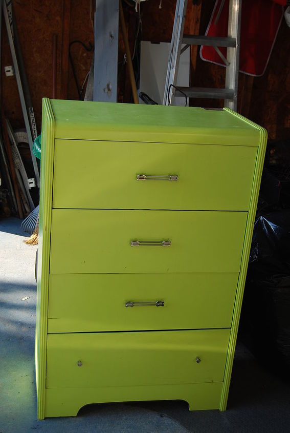 This is the very inexpensive but ugly dresser I found to try to achieve a rendition of Tania's inspiration.