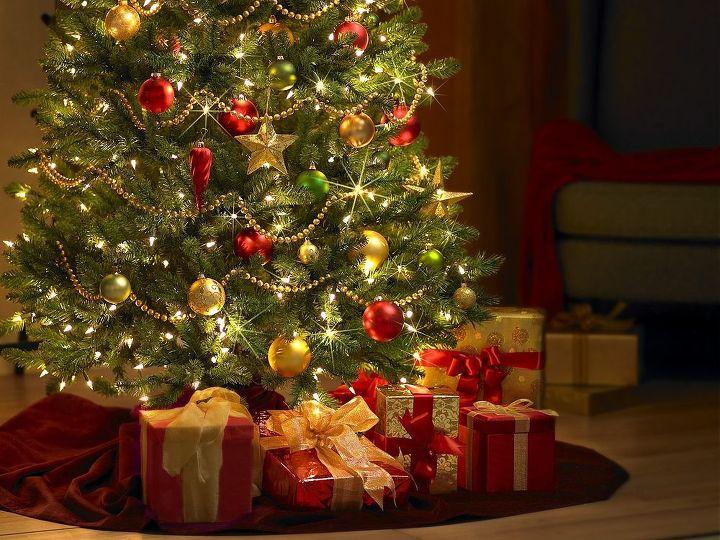 decorating for christmas, seasonal holiday d cor