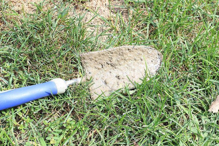 quick and easy concrete mixing, concrete masonry, An an ordinary garden shovel