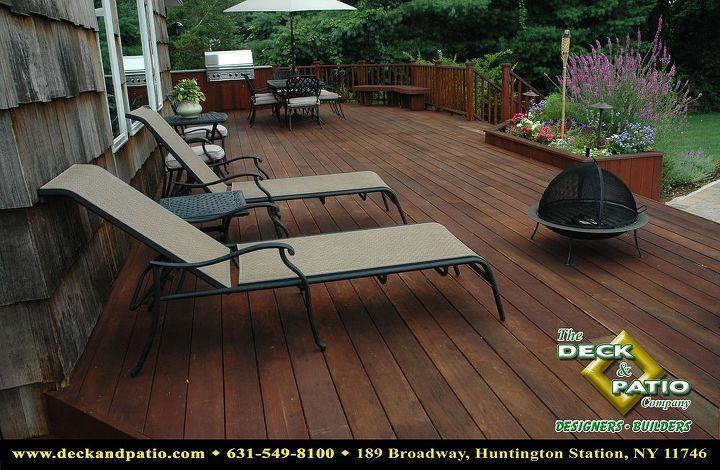 Mahogany deck with planter and outdoor kitchen