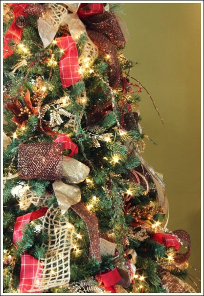 how to decorate a christmas tree with only ribbon and greenery christmas decorations crafts - Order Of Decorating A Christmas Tree