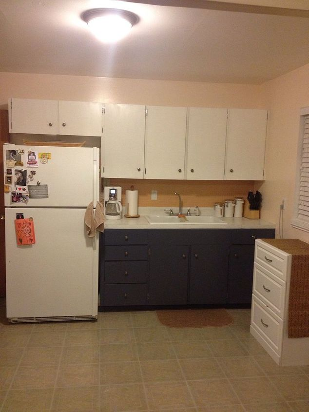 q what would you do to this kitchen, doors, home decor, kitchen backsplash, kitchen design, After Back splash color Behr Eastern Spice PMD 97 Bottom Cabinet color Olympic Calvary D51 6
