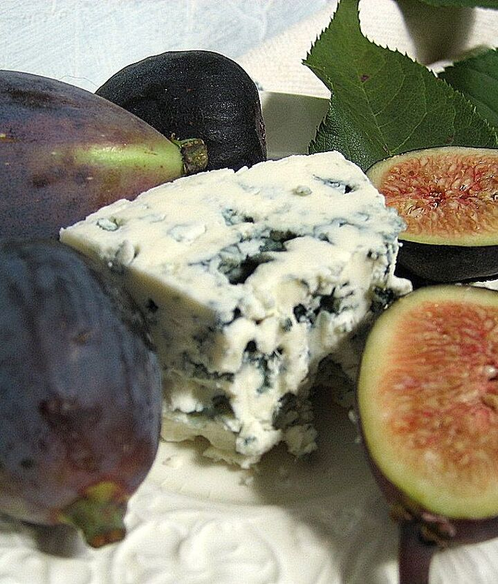 Fresh figs and bleu cheese...fabulous!