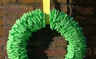 crepe paper wreath for spring, crafts, seasonal holiday decor, wreaths