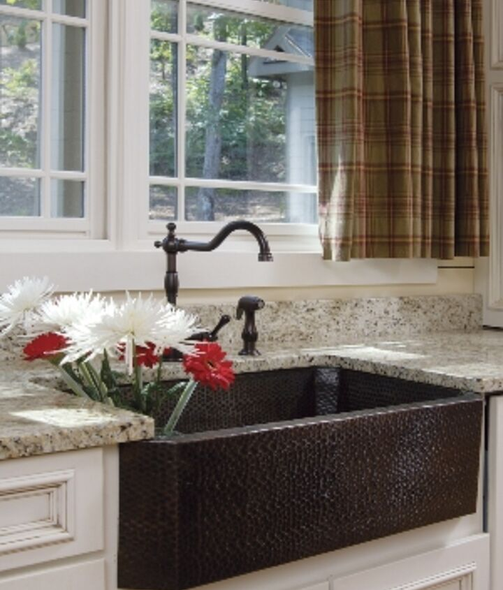 A lakeside retreat received a newly remodeled kitchen & a beautiful copper farmhouse sink: http://www.akatlanta.com/Kitchen-In-A-Lakeside-Retreat
