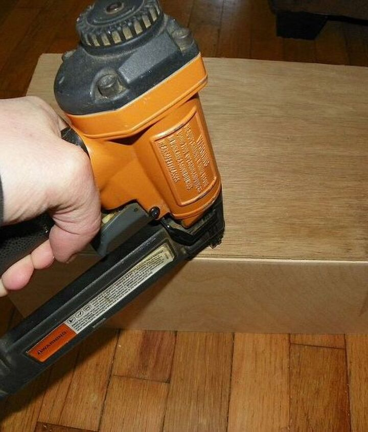 I used a finish nailer and Brad nailer and Some wood Glue to join the box