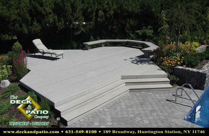 Trex deck with stairs and bench