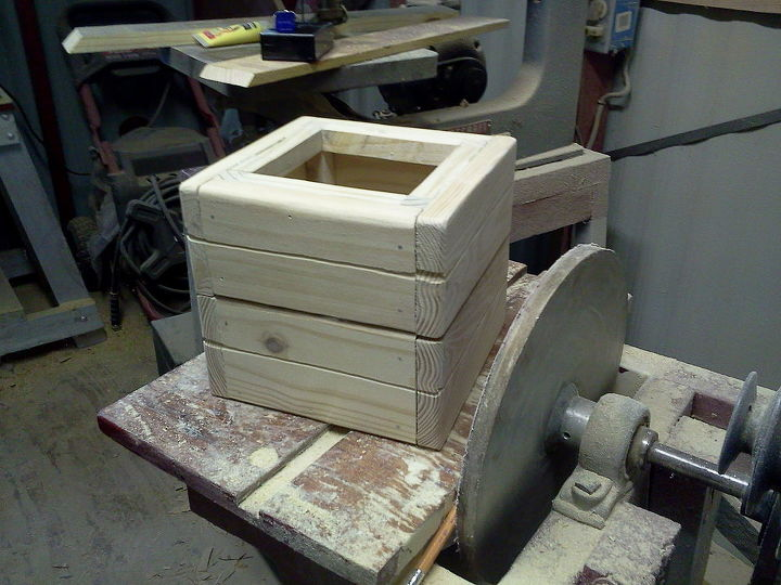 lil wishing well, diy, woodworking projects