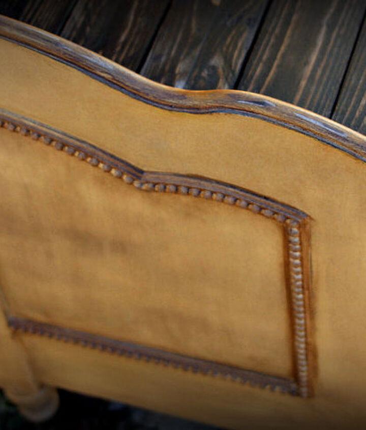 up-close antiqued