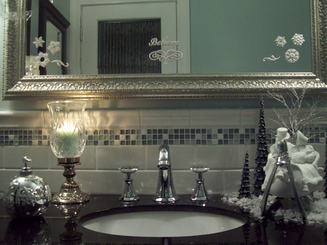 holiday sparkle to a christmas bathroom, bathroom ideas, christmas decorations, seasonal holiday decor
