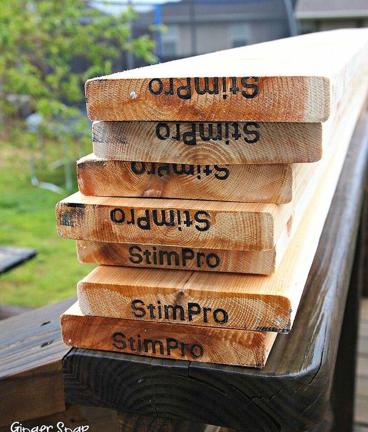 You'll need (7) 8 foot cedar boards.