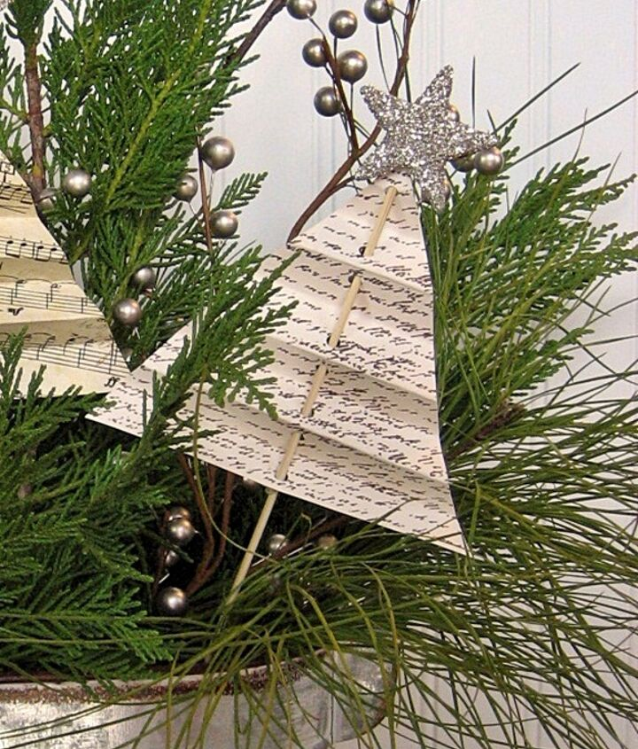 easy shabby christmas centerpiece with folded tree tutorial, crafts, seasonal holiday decor
