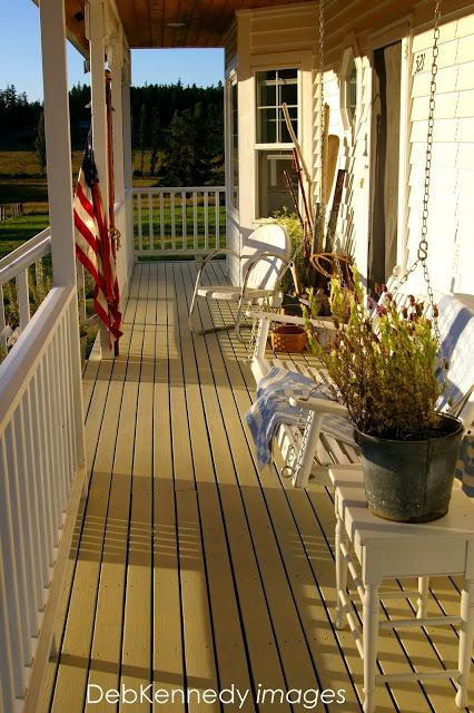 Simple Summertime porch decor...
