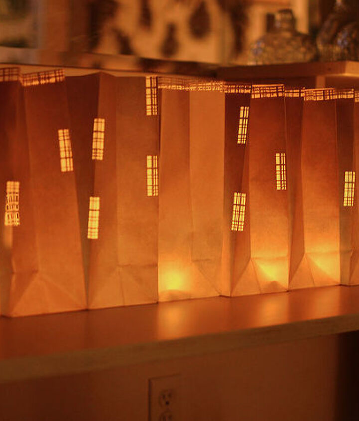 luminaries, fall, night, glow, led light, tealight, gift bag, gold, flicker, candle, autumn, halloween, thanksgiving, christmas, amy renea, a nest for all seasons, crafts unleashed, #falldecor #halloween #holiday #thanksgiving #christm