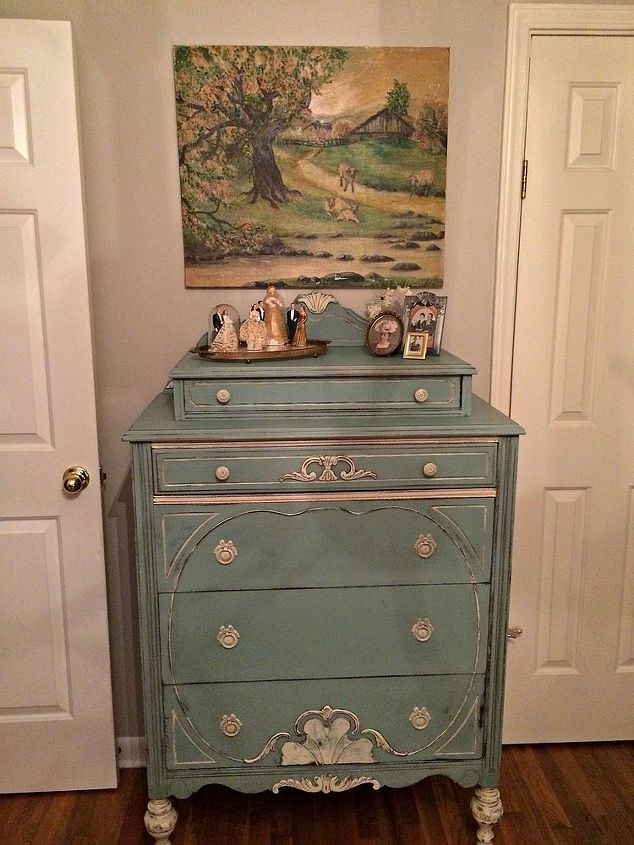 My favorite style furniture to paint.