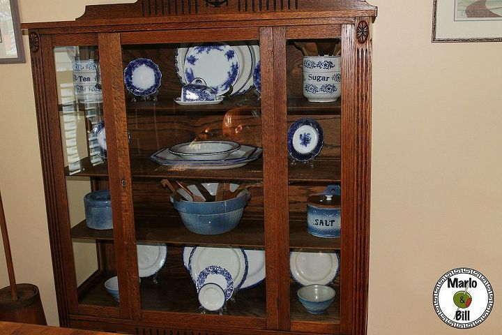 Our gorgeous new china cabinet that was a Craigslist find that only need a little bit of glass cleaning and coat of Old English Lemon Oil.