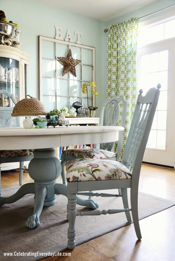 Dining Room Table and Chairs Makeover with Annie Sloan Chalk Paint ...