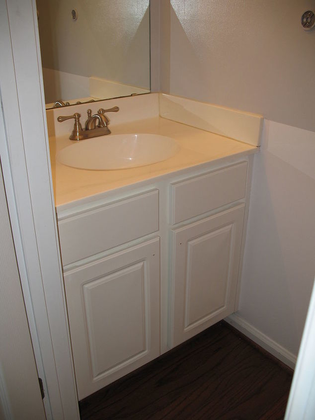 my favorite transformation from builder blah to remodel revamp on a budget, bathroom ideas, home decor, BEFORE Builder BLAH
