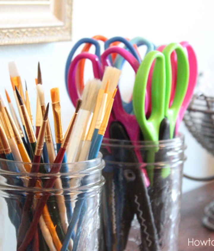 Mason jars are the perfect organizational tool to hold pencils, pens, paint brushes, scissors and more.