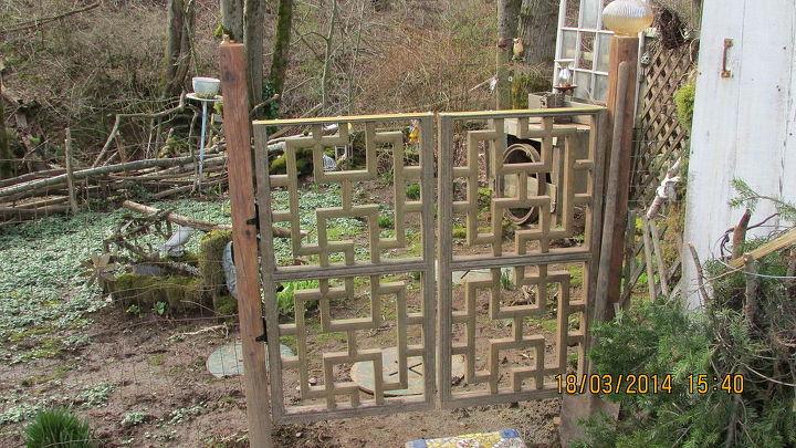 garden gate from a headboard, diy, fences, gardening, outdoor living, repurposing upcycling, A bed headboard cut in half to make a garden gate