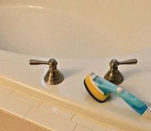 shower and tub cleaner, cleaning tips, Scrub rinse done Easy to maintain