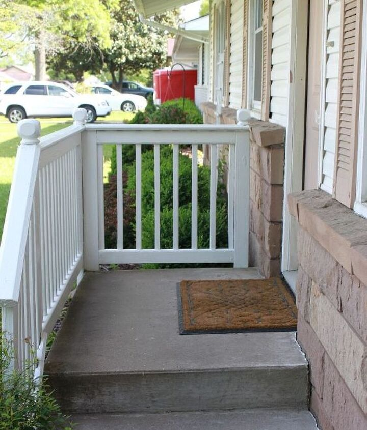 The bare & unwelcoming front porch.