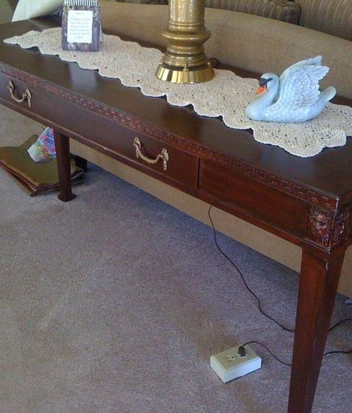Sofa table finished.
