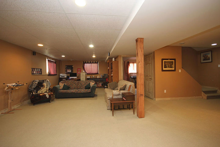 Before (Realtor photos) The bedrooms in the basement have the same carpet.