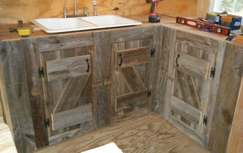 Kitchen Cabinets Made From Reclaimed Salvaged Barnwood