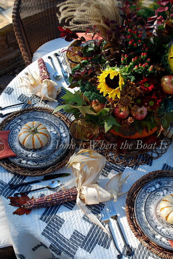 a pumpkin centerpiece for your thanksgiving table, seasonal holiday d cor, thanksgiving decorations