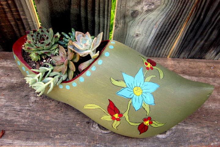 succulent wooden shoe planter, flowers, gardening, repurposing upcycling, succulents, Succulent Planter